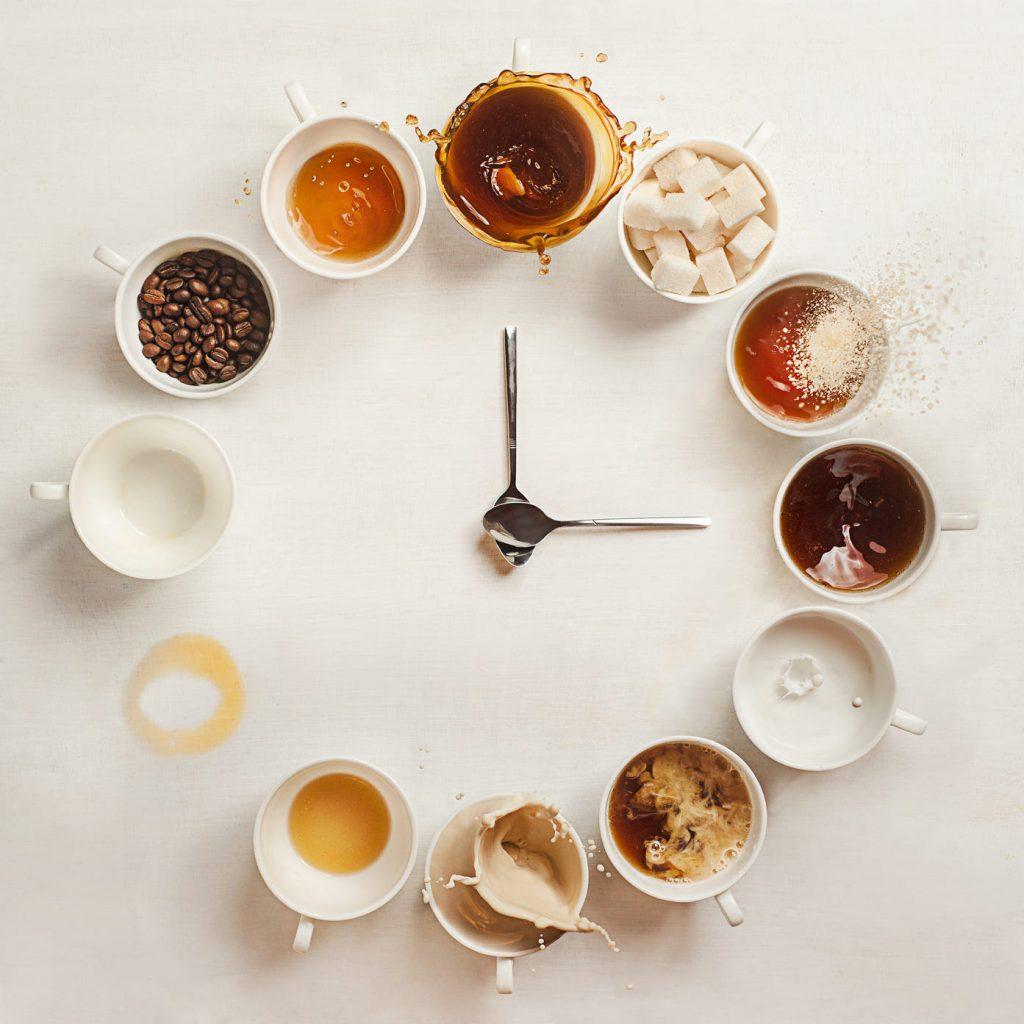 Dlaczego kofeina pobudza